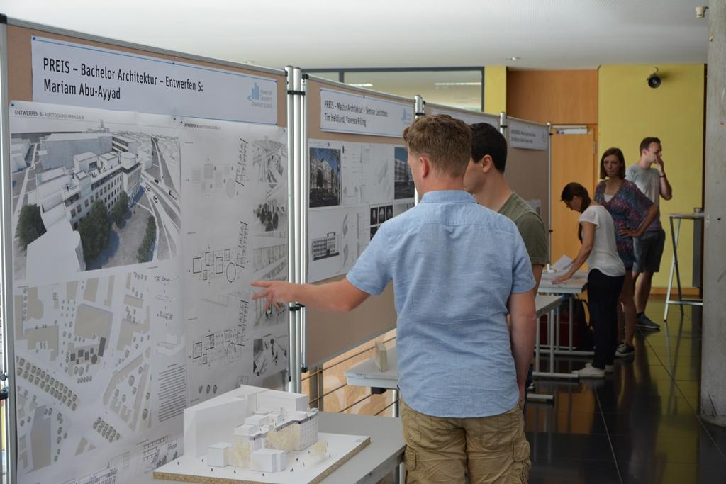 Beeindruckende Architektur: Stiftung HERR modernisiert das ...